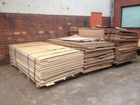 FREE Scrap wood, waste wood, free plywood offcuts. FREE! Bonfire night.