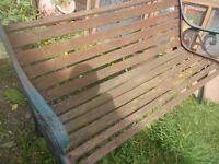 WOODEN GARDEN BENCH ** CLACTON ON SEA - CO15 6AJ - WOODEN GARDEN BENCH