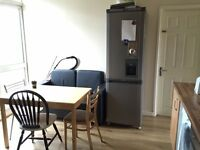 NICE AND CLEAN SINGLE ROOM IN ROEHAMPTON ..AVAILABLE NOW.. £120 pw (bills