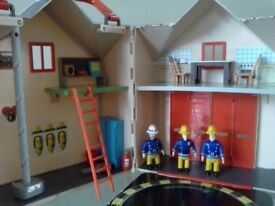 Fireman Sam Deluxe Fire Station