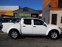 Finance me for £6.77 per day.. Outstanding Nissan Navara outlaw 4x4 in the rare bright white (59)