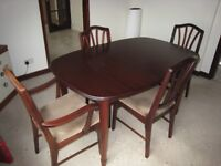 FOR SALE Mahogany Table and 6 matching chairs