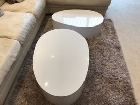 2 high gloss white stackable coffee tables
