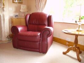 For sale: Leather Recliner Chair (pickup requiered)