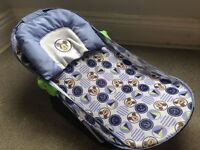Mickey Mouse baby bath seat - great condition