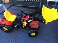 Ride on Tractor, age 3-10 excellent condition