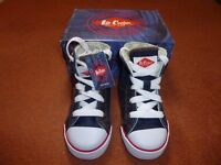 Lee Cooper Sneakers Child Sz6 Brand New, Boxed