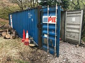 Steel shipping/storage container