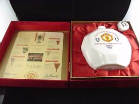 MANCHESTER UNITED 25TH ANNIVERSARY EUROPEAN CHAMPIONS CUP DECANTER