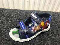 Avengers sandals sizes 7-1