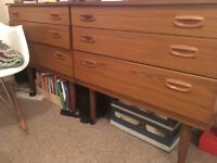 URGENT Set of 2 chest of drawers