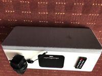 White speaker dock for iphone 4s