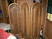 DECORATIVE SCREEN / ROOM DIVIDER / WICKER WOVEN BAMBOO SCREEN