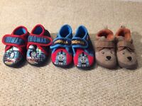 Boys toddler winter slippers size 4/5