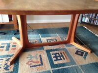 Dansk dining table seats 6 (no chairs)