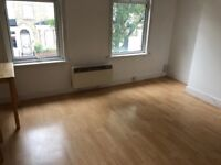 LEYTONSTONE 1 BED FLAT CAN BE USED AS TWO BED