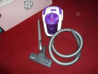 small hoover extending pipe in good working order and box look can see it working