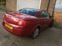 Selling RENAULT 1.6 AUTOMATIC CONVERTABLE