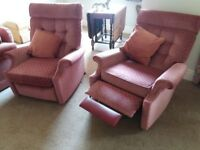 2 manual reclining chairs