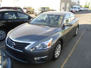 2014 Nissan Altima 2.5 S  Backup CAM  Bluetooth  PW  PL