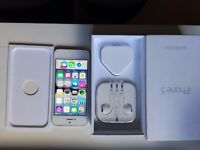 iPhone 5s very good condition and long battery life - Unlocked