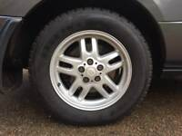 4 x LandRover Alloys inc Nearly New Tyres only £250