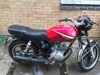SHINERAY xy 125cc for sale , comes with 1 year m.o.t . Cafe racer style .