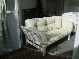 Sofa / Sofabed