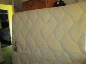 King Size Bed 4 drawer Silentnight divan and Silentnight miracoil pillow top mattress