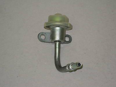 Toyota Scion TC 2.4L Fuel Injection Pressure Regulator Pulsation Damper Assy 2AZ