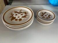 6 dinner plates & 6 side plates