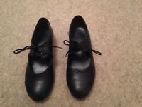 Girls Black Tap Shoes Size 13