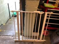 Lindam stair gate in excellent condition.
