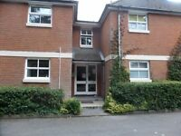 One bedroom ground floor flat close to centre of town. £590 pcm