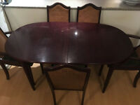 SOLID WOOD EXTENDABLE DINING TABLE WITH 5 CHAIRS + FREE DELIVERY