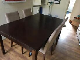 Extendable Dining Table / 4 Chairs