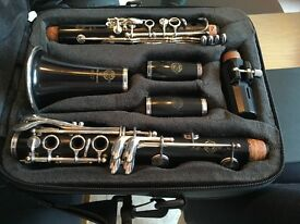 Clarinet Selmer 10SII. Bb, wooden recital level, immaculate condition.
