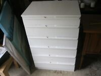 VINTAGE WHITE PAINTED STURDY CHEST OF 6 DRAWERS. VIEWING / DELIVERY AVAILABLE