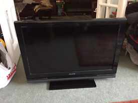 "Flatscreen 32"" LCD tv for sale made by SONY"