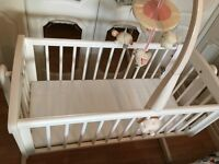 Very good condition Swing Crib with Mattress