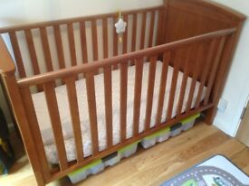 Richmond cot bed from Silver Cross
