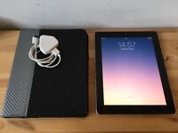 Apple iPad 2 16GB WiFi - Black - Mint Condition - with Griffin Case + USB Charger