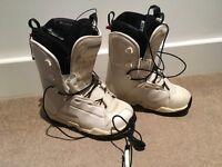Women's Salomon Snowboard boots UK 5 and bindings