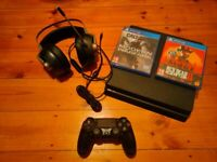 PS4 Bundle with controller, headphones and 8 games (Call of Duty Modern Warfare and Red Dead 2)