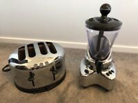 Kenwood large 4 slice toaster and smoothie / blender. Chrome. Will split.