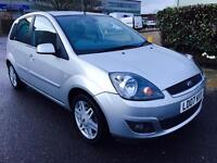 Ford Fiesta Ghia 1.4 L,service history,1 owner,leather seats,Low miles