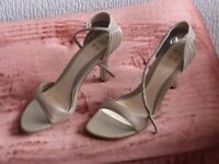 "LADIES OPEN TOE SANDALS IN TAUPE 3"" HEEL - SIZE 6 1/2 - 40"
