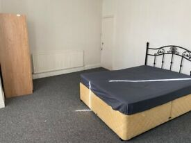 MODERN DOUBLE ROOM TO RENT IN A QUIET HOUSE, CLOSE TO CITY CENTRE, INCLUSIVE OF BILLS, FURNISHED