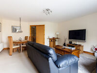 Refurbished private 1bedroom apartment - ENTIRE FLAT .