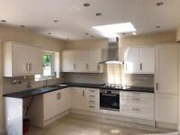AMAZING 4 BED HOUSE IN NEWBURY PARK - FULLY RENOVATED - NEXT TO STATION
